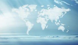 密集的云彩的概念性图片在全世界形状的 免版税图库摄影