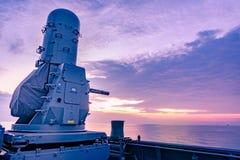 密集队、近战武器系统或者CIWS是防空的poppular武器在现代军舰环球 库存照片