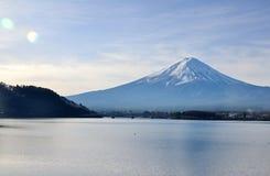 富士山、最大的对称山和Lake Kawa 库存图片