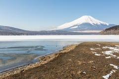 富士山冰了Yamanaka湖 图库摄影