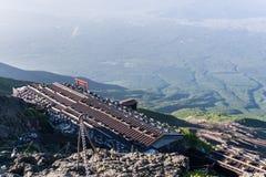 从富士山山顶的日出视图  库存照片