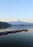 富士山,从湖Kawaguchiko的看法 免版税图库摄影