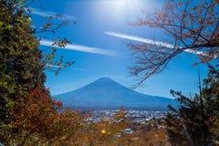 富士火山山风景在美丽的景色的秋天 库存图片