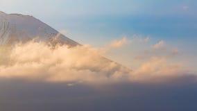 富士登上关闭与日落口气 免版税库存图片