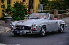 富尔达,德国- MAI 2013年:奔驰车300SL cabrio跑车r 库存照片