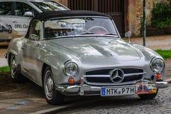 富尔达,德国- MAI 2013年:奔驰车300SL cabrio跑车r 免版税库存照片