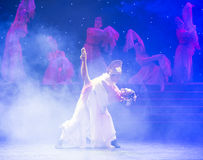 富感情的眼睛特性和歌曲押韵中国民间舞 免版税图库摄影