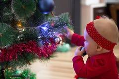 寒假和人概念 圣诞节我的投资组合结构树向量版本 新年` s假日 库存图片