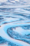 寒带草原河在冬天,顶视图 库存图片
