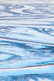 寒带草原河在冬天,顶视图 图库摄影