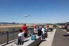 察觉点的航空器在法兰克福机场 免版税库存照片