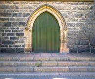 对一个教会或大教堂的正门进口在欧洲 库存照片