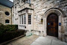 对一个教会的入口伯勒屯小山的,巴尔的摩,马里兰 库存图片