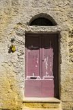 对一个老房子的入口 库存图片
