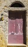 对一个老房子的入口 免版税图库摄影