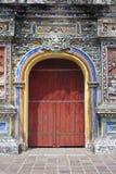 对一座城堡的门颜色的 库存照片