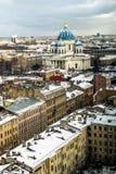 对三位一体Izmailovsky大教堂的看法在圣彼德堡 免版税库存照片