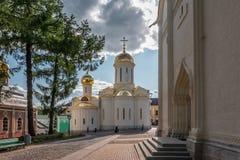对三位一体troyeshchina的结构大教堂神圣洁基辅安排服务 库存照片