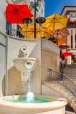 对两圈地驱动的楼梯在比佛利山 免版税库存照片