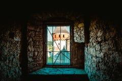 对中古的窗口 免版税图库摄影