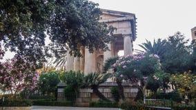 对亚历山大Ball先生的纪念碑在公园对亚历山大Ball先生的更低的Barrakka GardenMonument在公园更低的Barrakka庭院里 库存照片