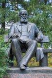 对亚历山大Nikolayevich奥斯特洛夫斯基的纪念碑 免版税库存图片