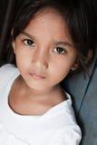 对亚洲女孩菲律宾墙壁 免版税库存图片