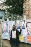 对伊曼纽尔Macron的黑种族人陈列支持 免版税库存照片