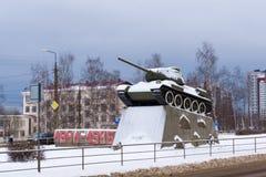 对传奇T-34坦克的纪念碑 免版税库存图片