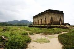 对佛教寺庙废墟的走道 库存图片