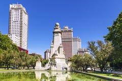 对作家米格尔・德・塞万提斯的纪念碑在马德里,西班牙 库存图片