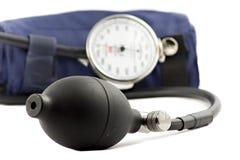 对使用的血液检查设备查出的压 库存照片