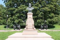 对俄国沙皇时代的太子米哈伊尔尼克拉耶维奇的纪念碑 火炮博物馆,设计队伍 圣彼德堡 免版税库存照片