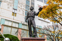 对俄国19世纪著名诗人亚历山大・谢尔盖耶维奇・普希金的纪念碑 免版税库存照片