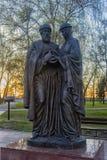 对保佑的王子Pyotr和Fevronia Murom公主的纪念碑 免版税库存图片