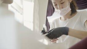 对修指甲做的少妇客户在美容院 股票录像