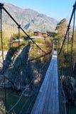 对修道院的取决于的桥梁在河的Katun拔摩岛海岛上我 库存照片