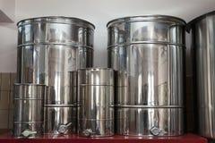 对储油的铁容器 库存照片