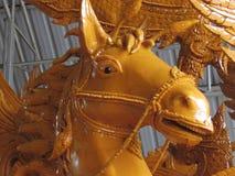 对光检查雕刻哪些是独特的泰国 carvin艺术  库存图片