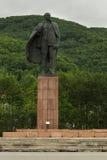 对列宁的纪念碑剧院正方形的在彼得罗巴甫洛斯克Kamchatsky 库存图片