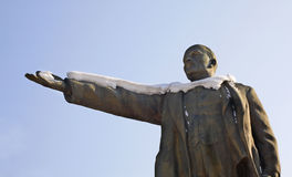 对列宁的纪念碑在斯洛尼姆 迟来的 免版税库存图片