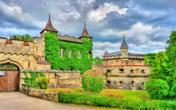 对利希滕斯泰因城堡的入口在巴登-符腾堡州,德国 免版税图库摄影