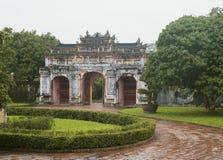 对北京皇城,越南的城堡的门在颜色的 库存图片