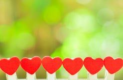 对华伦泰概念的微型心脏爱 免版税库存图片