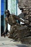 对华沙起义的Solidier纪念碑 图库摄影