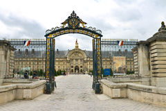 对博物馆复杂Les Invalides的门 免版税图库摄影