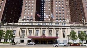 对历史的旅馆的大门 库存图片