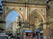 对古吉特拉人镇的老门户,印度 免版税库存照片