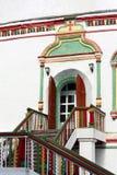 对古老教会的入口 库存照片