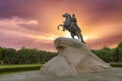 对古铜色御马者的纪念碑在圣彼德堡 库存照片